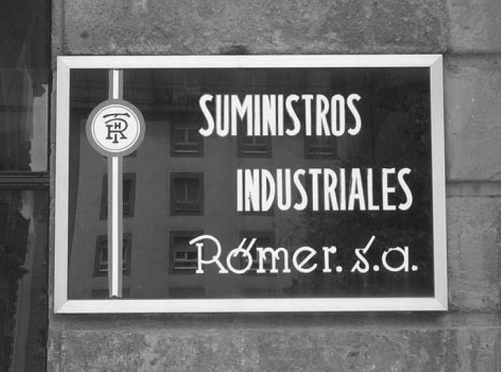 Antiguo cartel de ROMER en la Plaza de Porlier de Oviedo